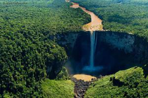 Les chutes de Kaieteur : la plus belle cascade du monde