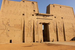 Le Temple d'Edfou : le dieu Horus dans toute sa splendeur !