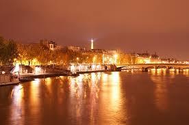 Visite de chateaux autour de paris en bateau voyage le for Visite autour de paris