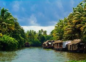 Backwaters du Kerala : une ville sur bateau