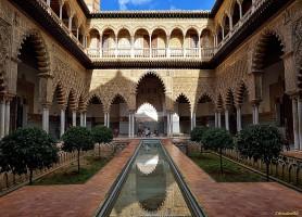 Alcazar de Séville : un panorama de découvertes fabuleuses