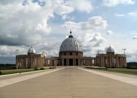Basilique Notre-Dame-de-la-Paix : la basilique au superlatif