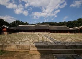 Sanctuaire de Jongmyo : authentique sanctuaire confucéen
