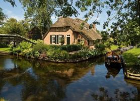 Giethoorn: découvrez la magnifique Venise du Nord