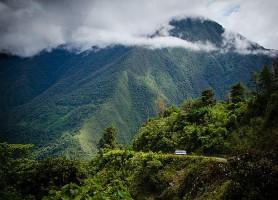 Route des Yungas: le chemin menant vers l'impossible