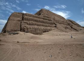 Huaca del sol y de la luna : l'ancienne capitale de l'Empire Mochiqua