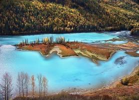 Lac Kanas: un mystérieux paradis dans les montagnes