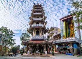 Pagode Linh Phuoc: une scintillante résidence bouddhique