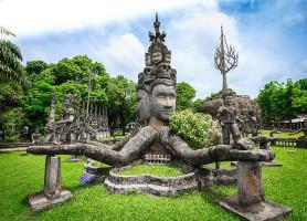Parc du Bouddha: le fantastique jardin bouddhiste