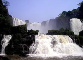Saltos del Monday: la nature dans toute sa consistance