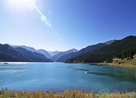 Tianshan: l'immense montagne de bonheur