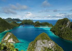 Îles Raja Ampat: les majestueuses îles de la richesse sous-marine