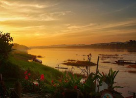 Triangle d'or au Mekong: rendez-vous entre trois terres