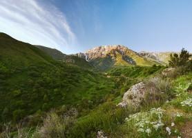 Réserve naturelle Aksou-Jabagly: un site touristique de premier ordre
