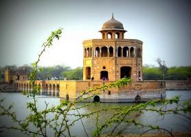 Hiran Minar: une tour commémorative unique
