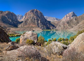 Lac Iskanderkoul: le plus beau lac de montagne