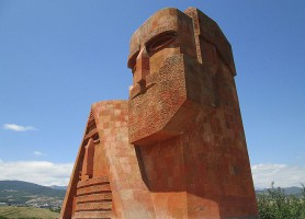 Tatik u Papik: l'hommage à la sagesse