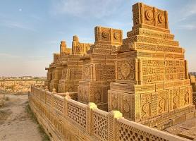 Tombes de Chaukhandi: le flamboyant palais funéraire