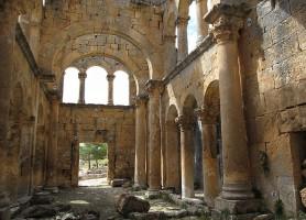 Monastère d'Alahan: un monastère au milieu des montagnes