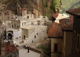 Monastère de Sümela: un monastère hybride combinant art religion