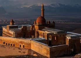 Palais Ishak Pasa: le sanctuaire royal du mont Ararat
