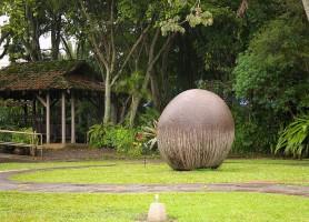 Sphères mégalithiques: les mystérieuses grosses pierres