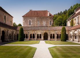 Abbaye de Fontenay: la reine de la sobriété