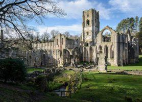 Abbaye de Fountains: découvrez ces spectaculaires ruines