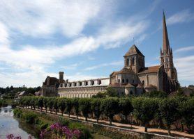 Abbaye de Saint-Savin: une splendeur architecturale unique