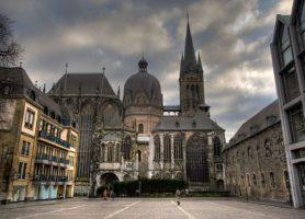 Cathédrale d'Aix-la-Chapelle: au cœur d'un bâtiment impérial