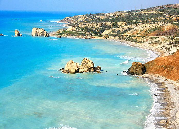 Petra Tou Romiou Chypre Une Plage Et Un Coin De Paradis