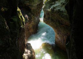 Gorges du Fier: la grande curiosité naturelle des Alpes