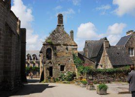 Locronan: le charme impressionnant de la vieille cité bretonne