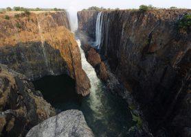 Mosi-oa-Tunya : un enchantement au cœur de mille merveilles!