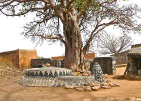 Tiébélé: une galerie d'art en plein air