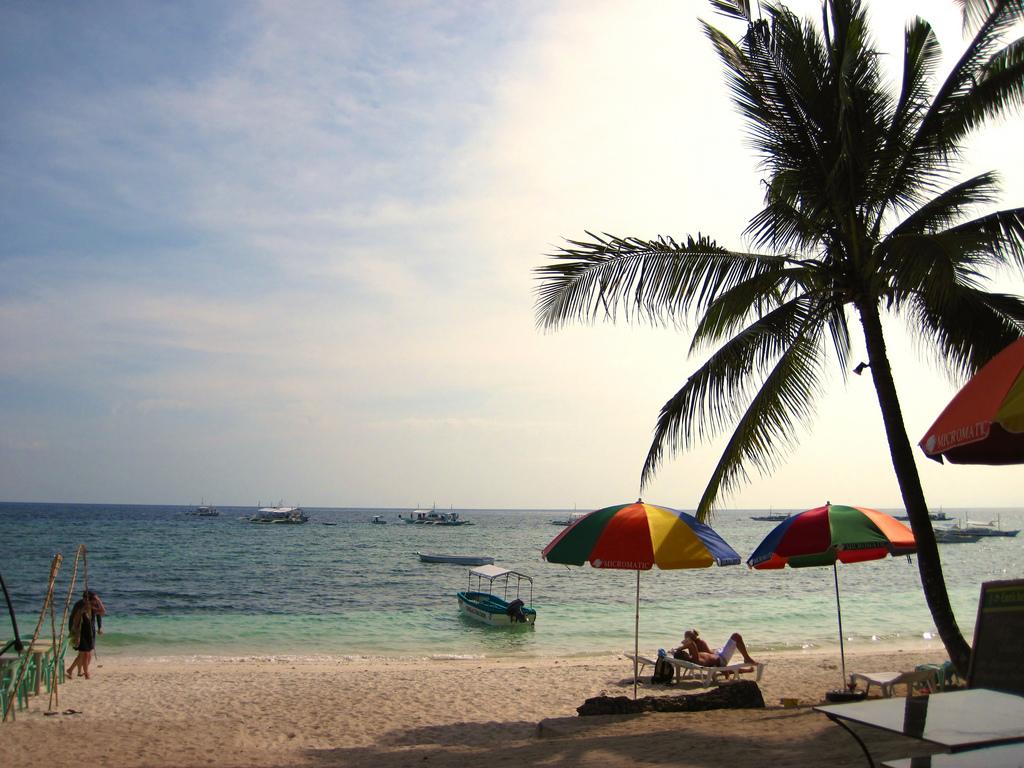 Alona Beach : Un lieu stratégique pour explorer Bohol