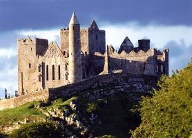 Rock of Cashel : une constellation de monuments