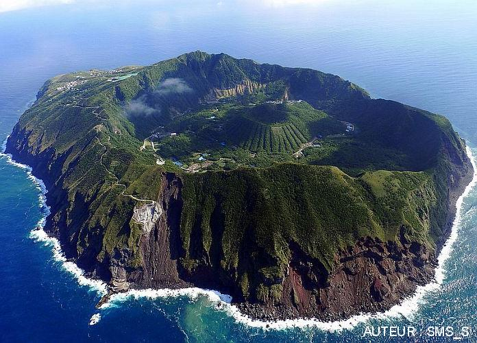 Volcan Aogashima