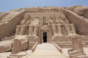 Abu Simbel : La déification de Ramsès II