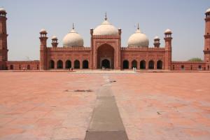 Mosquée Badshahi : Où le marbre blanc est aussi pur que les ferveurs
