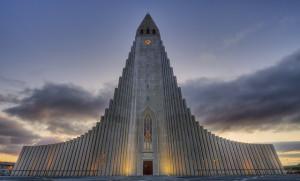 L'église d'Hallgrímskirkja : du basalte au béton