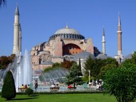 Sainte-Sophie : entre basilique et mosquée, entre Occident et Orient