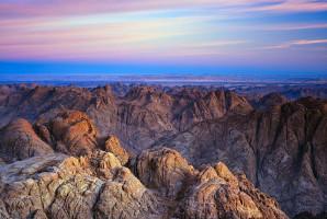Canyon coloré : le couloir rocheux aux mille tons