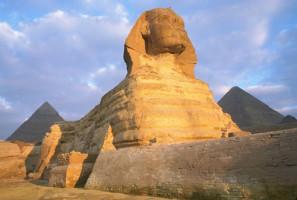 Le Sphinx de Gizeh : un monument magistral aux origines controversées