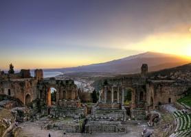 Taormine: un joyau de la mer Ionienne