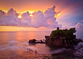 Temple de Tanah Lot: le sanctuaire en plein océan