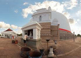Anurâdhapura : la ville sainte du Sri Lanka