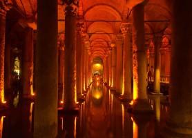 Citerne Basilique: une gigantesque citerne souterraine