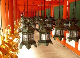 Kasuga-taisha : des lanternes interminables