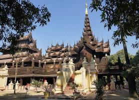 Monastère Shwenandaw: le vestige du palais royal birman